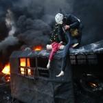 Am Rande der Proteste in Kiew, Ukraine (Keystone/AP Photo/Sergei Grits)