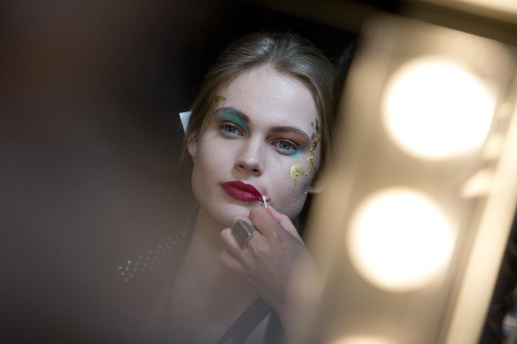 Vorbereitungen zur Modenschau in Amsterdam, Niederlande (Keystone/AP Photo/Peter Dejong)