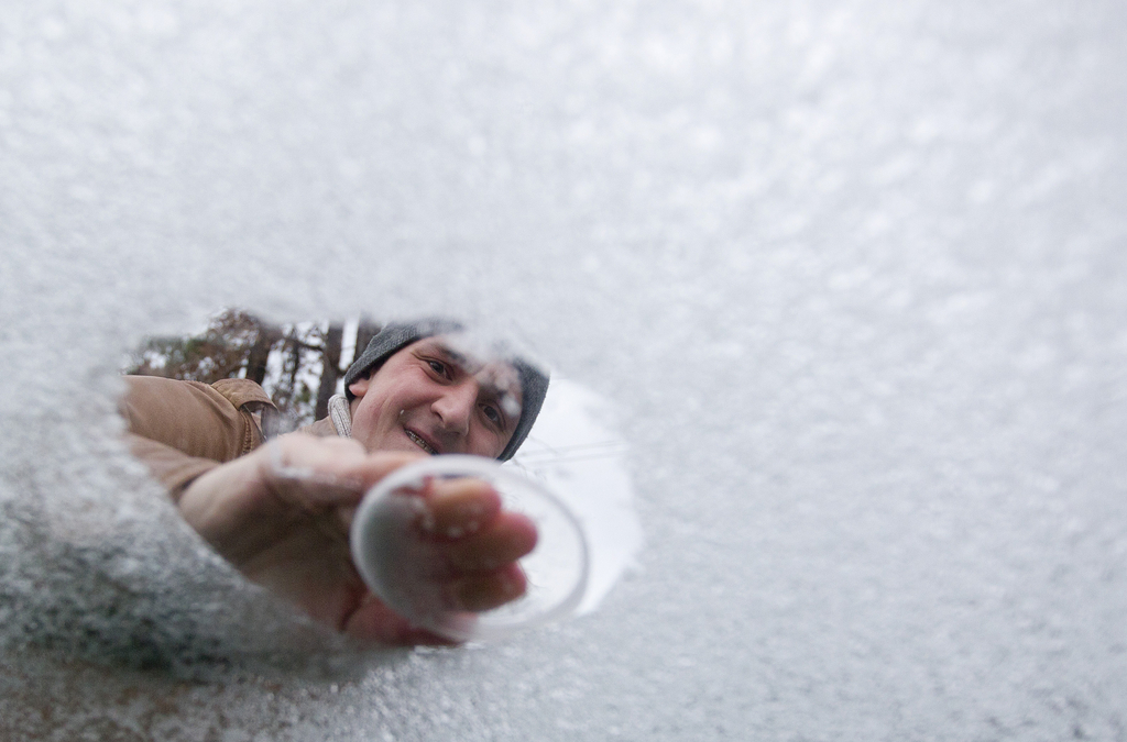 Eis auf der Windschutzscheibe in Conroe, USA (Keystone/AP Photo/Jason Fochtman)