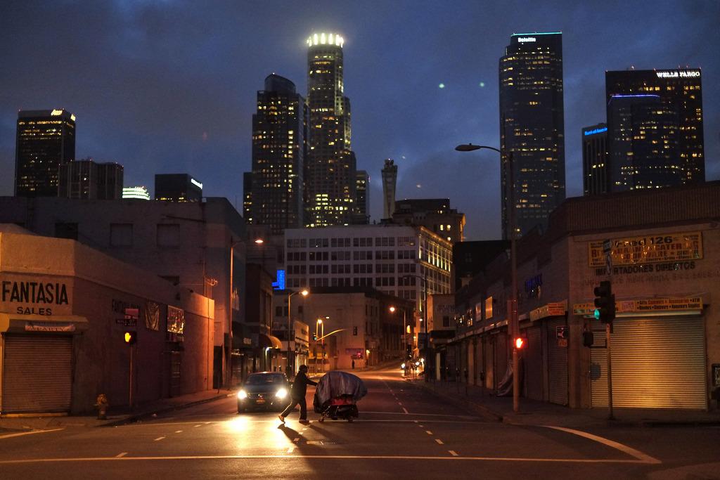 Wohnsitzloser mit seinen Habseligkeiten in Los Angeles, Kalifornien USA (AP Photo/Jae C. Hong, Archiv)