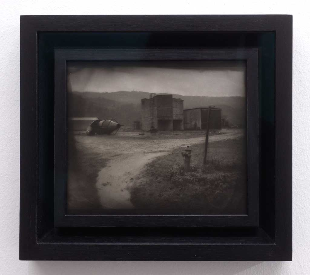 Jean-Michel Fauquet: Untitled 2000, Silver gelatin print, oil paint, 15 x  18 cm, unique ©artist and CONRADS Duesseldorf