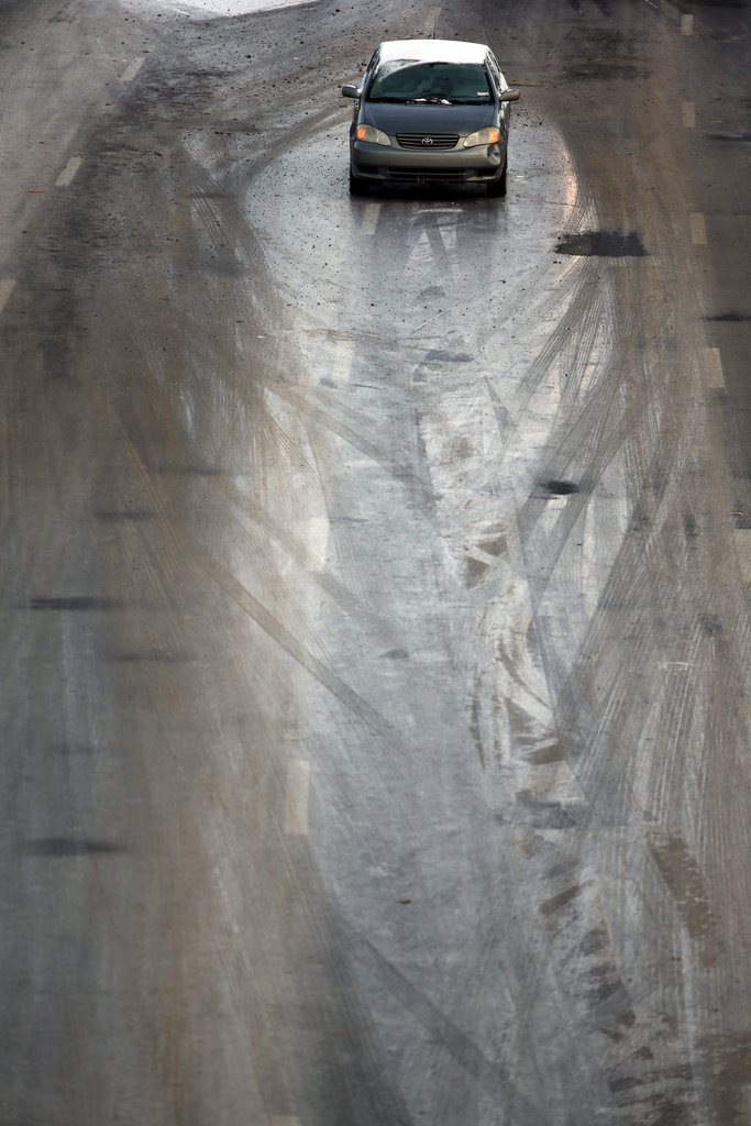 Vereiste Straßen bei Atlanta, USA (Keystone/EPA/Ben Gray)