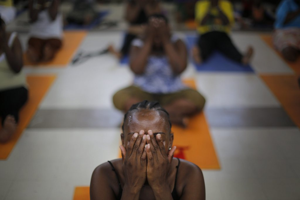 Yoga in Durban, Südafrika EPA/KIM LUDBROOK