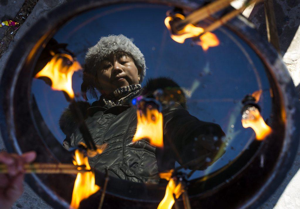 Weihrauch brennt, Feiern zum chinesischen neuen Jahr, Beijing China  EPA/DIEGO AZUBEL