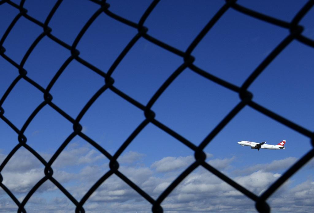 Abflug vom Flughafen Kloten in Zürich, Schweiz (Keystone/Steffen Schmidt)