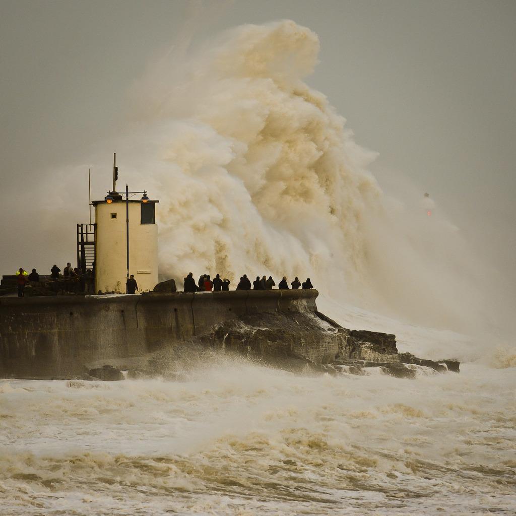 Wellen vor Porthcawl, Wales (Keystone/AP Photo/Ben Birchall)