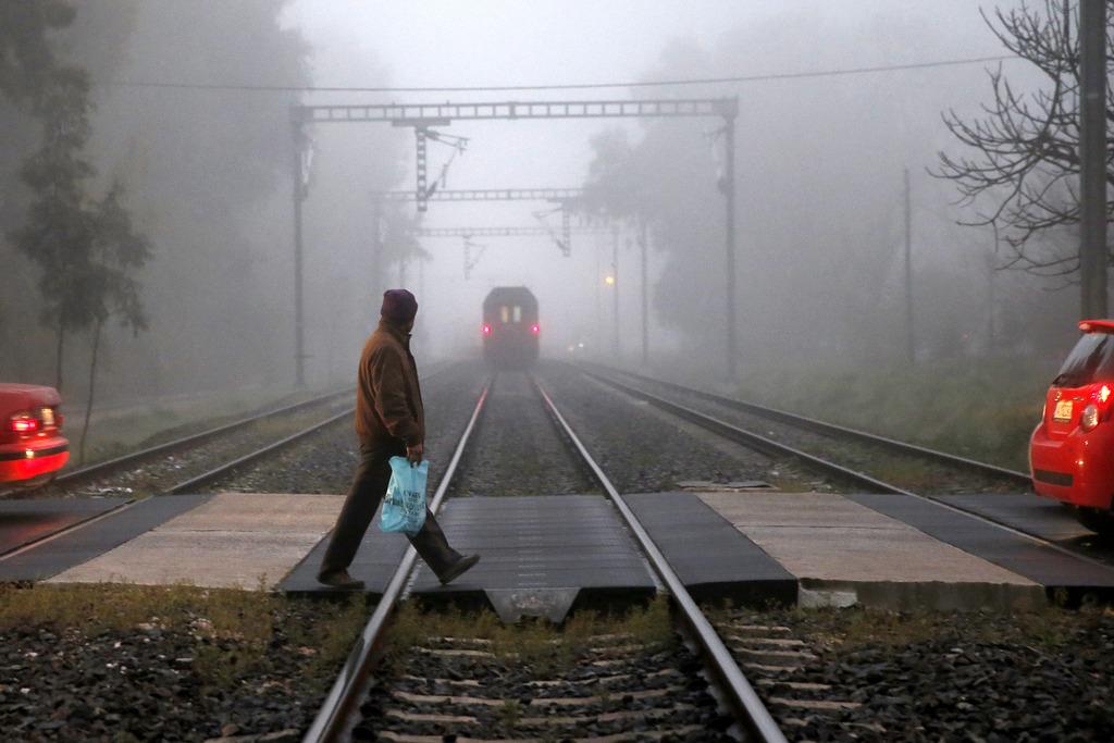 Nebliger Morgen in Athen, Griechenland (Keystone/AP Photo/Petros Giannakouris)