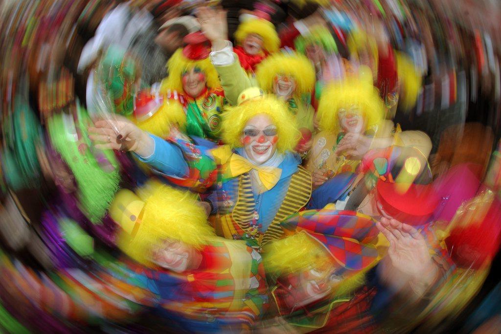 Karneval in Main, Deutschland (Keystone/EPA/Fredrik von Erichsen)