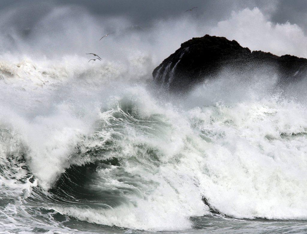 Sturm vor Santander, Spanien (Keystone/EPA/Esteban Cobo)