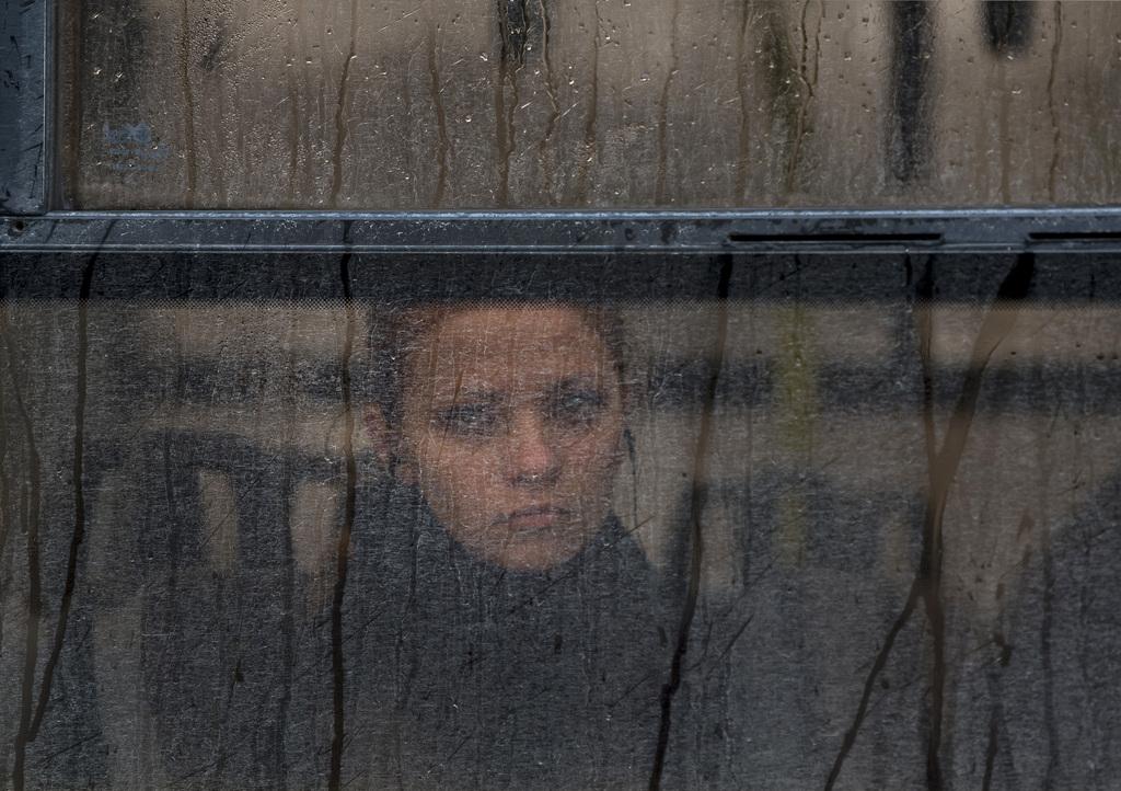 Frau im Bus in Simferopol, Ukraine (Keystone/AP Photo/Vadim Ghirda)