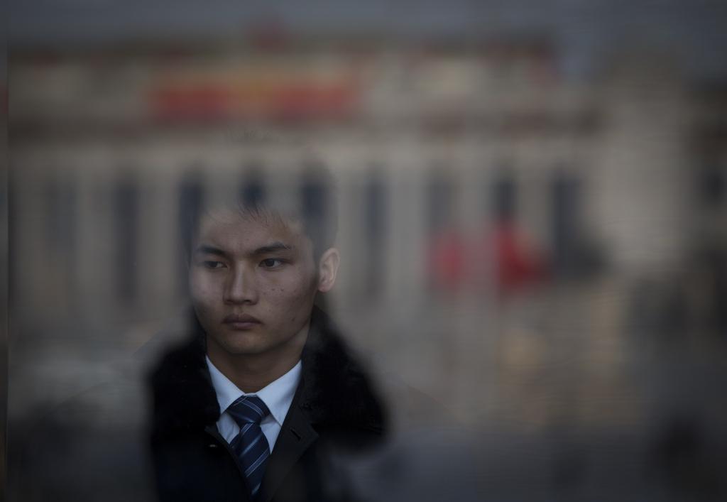 Ein Soldat beim Volkskongress in Beijing, China (Keystone/AP Photo/Vincent Thian)