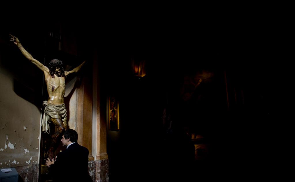 Gebet in Buenos Aires, Argentinien (Keystone/AP Photo/Natacha Pisarenko)