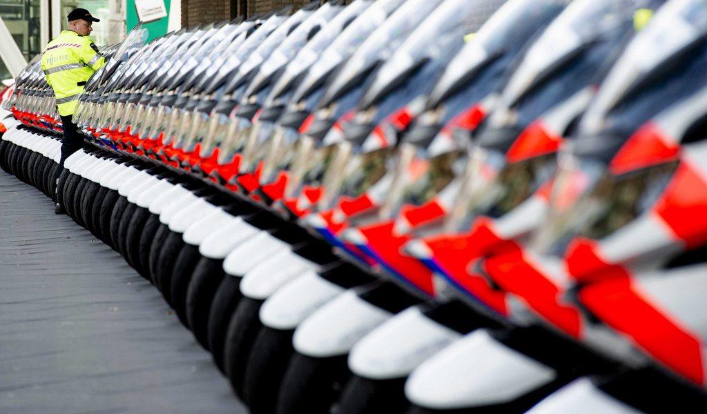 Polizeimotorräder in DenHague, Niederlande (Keystone/EPA/Robin van Lonkhuijsen)