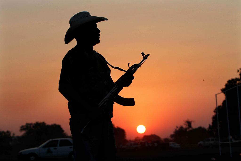 Bürgerwehr in Mexiko (AP Photo/Marco Ugarte, File)