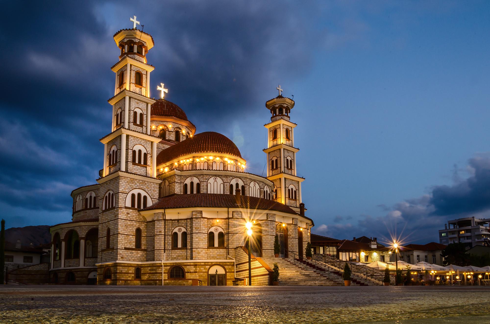 Leserfoto: Kirche in blauer Stunde