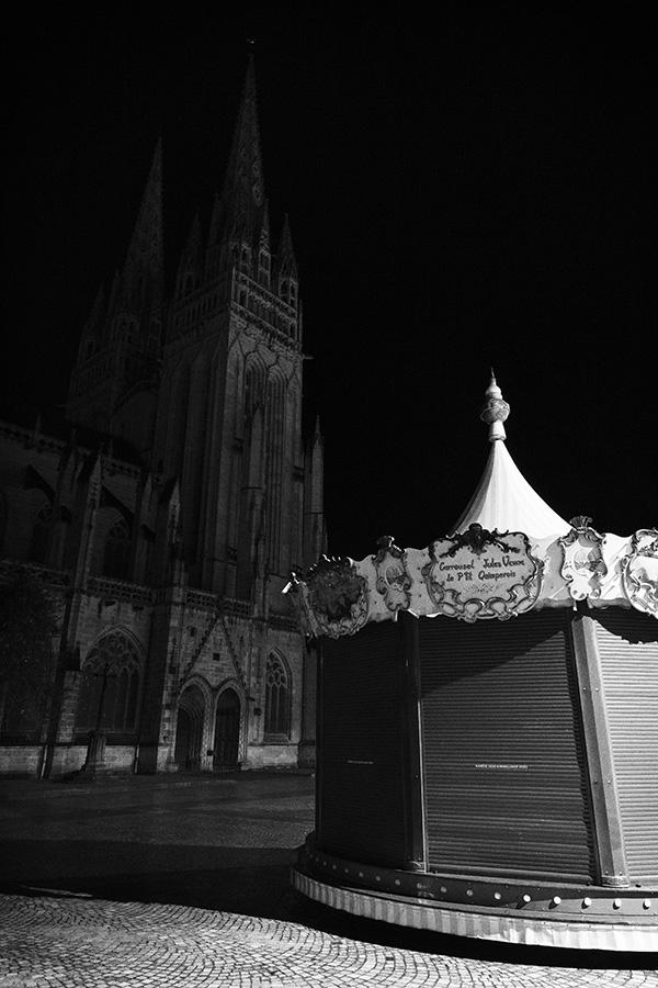 Vergleichsarbeit 'Kathedrale und Karussell in Quimper' (eigenes Portfolio)