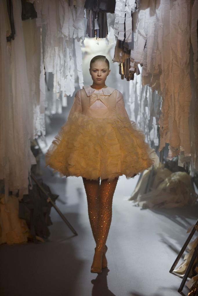 Model bei einer Studenten-Modenschau, Mexiko-Stadt, Mexiko (AP Photo/Rebecca Blackwell)