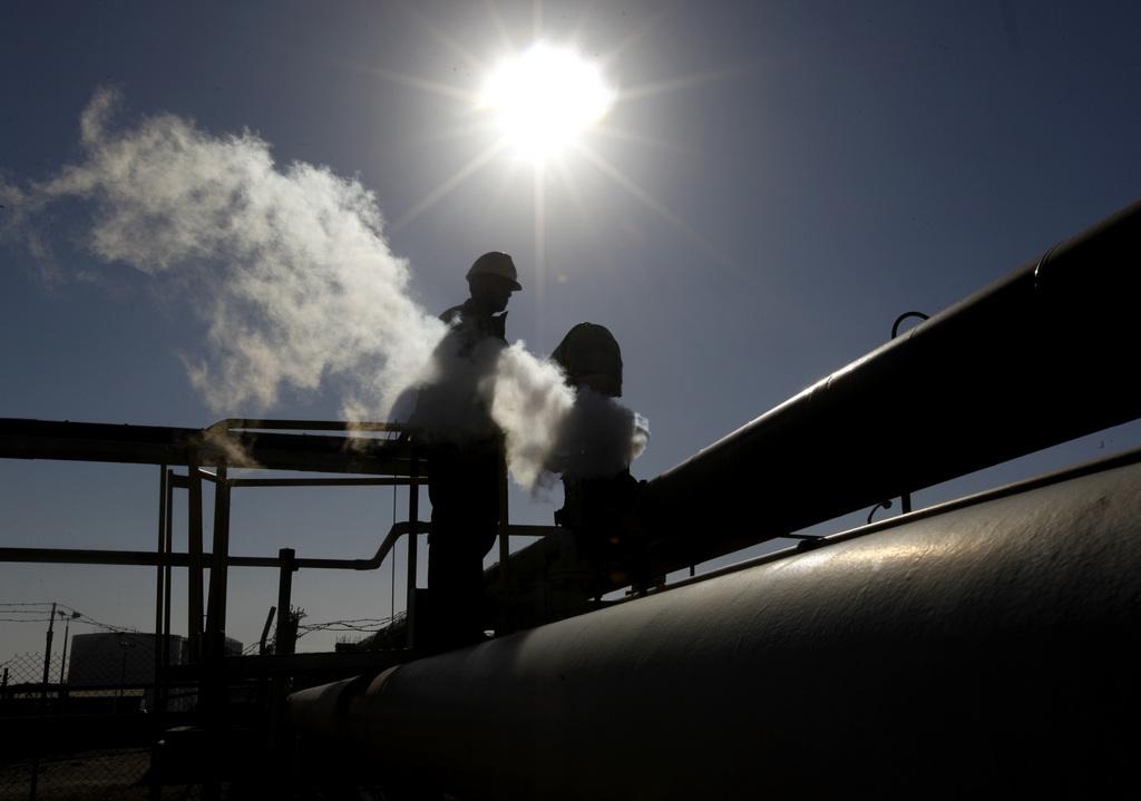Ölraffinerie in Lybien (AP Photo/Hussein Malla, Archiv)