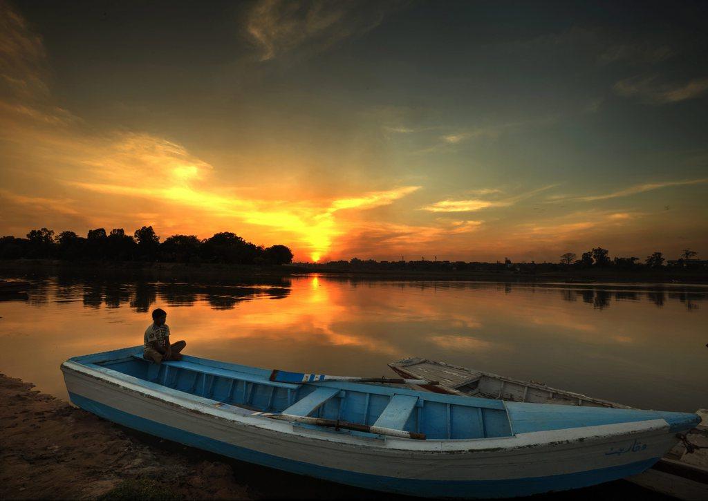 Abendsonne in Lahore, Pakistan (Keystone/EPA/Omer Saleem)