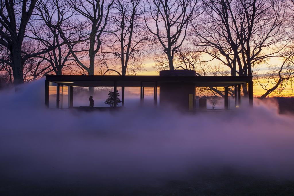 Nebeleffekt im sogenannten Glass House nahe New York  (AP Photo/The Glass House, Copyright Richard Barnes 2014)