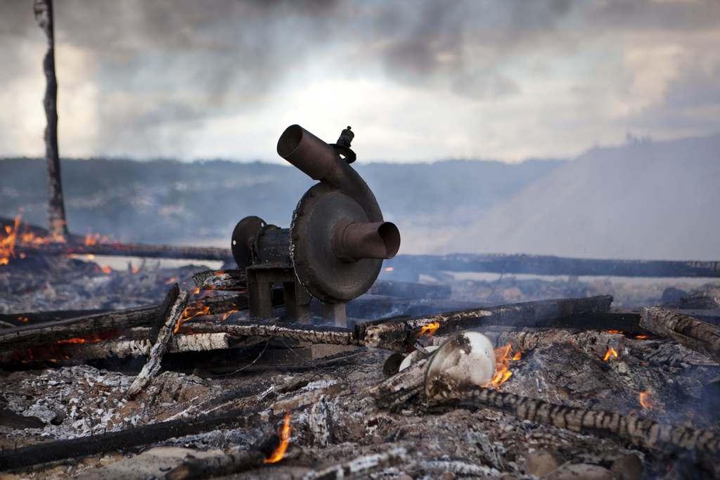 Zerstörte Anlage von illegalen Goldsuchern, Madre de Dios, Peru (AP Photo/Rodrigo Abd)