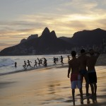 Am Strand vor Rio de Janeiro, Brasilien (Keystone/AP Photo/Hassan Ammar)