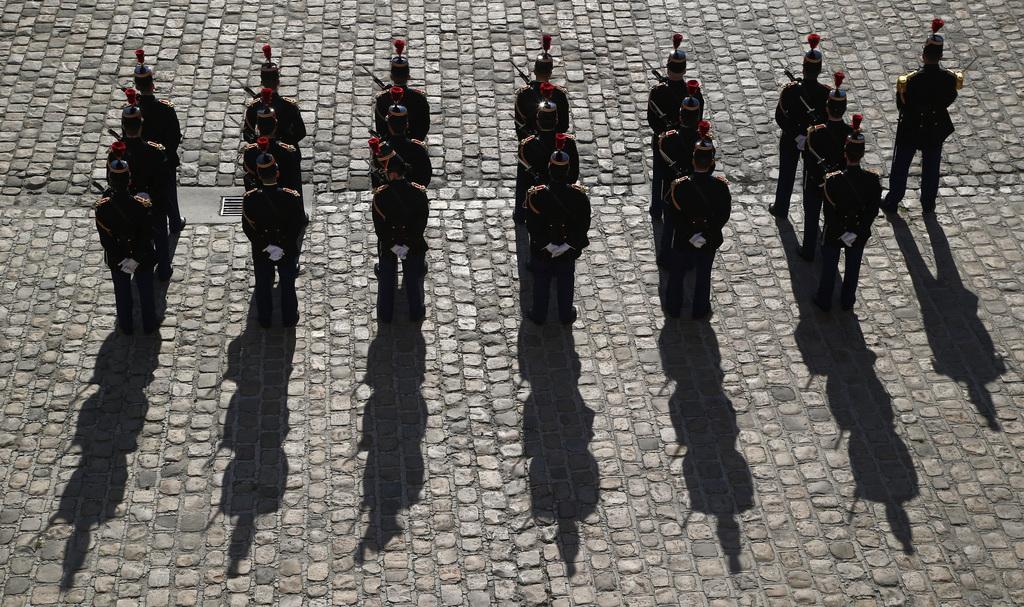 Republikanische Garde in Paris F  (AP Photo/Michel Euler)