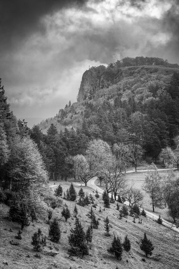 Abb. 11: Blick auf den Lochenstein (Eigenes Portfolio, Schwäbische Alb 2014)