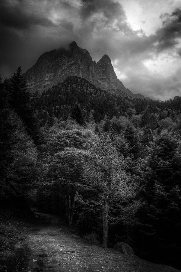 Abb. 13: Aufziehendes Gewitter (Eigenes Portfolio, Pyrenäen 2013)