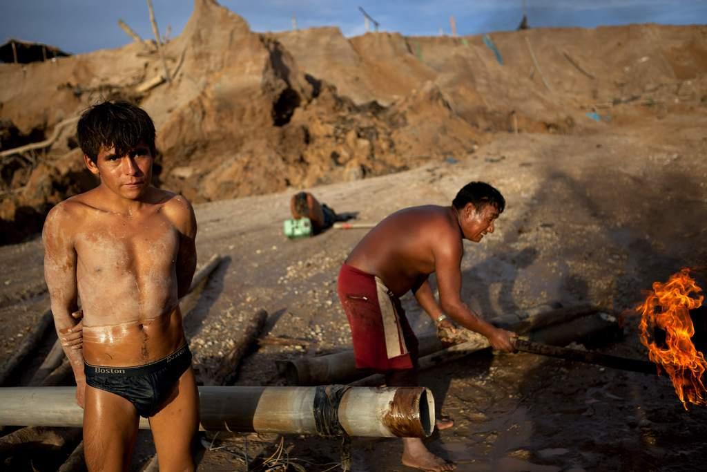 Illegale Goldsucher in Peru (AP Photo/Rodrigo Abd)