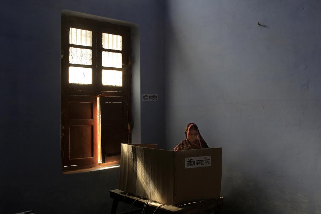 Wahllokal in Varanasi, Indien (AP Photo/Bernat Armangue)
