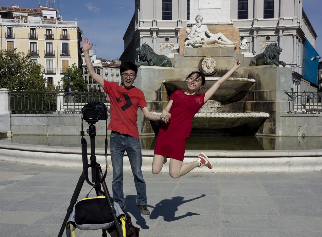 Selfie in Madrid (AP Photo/Domenico Stinellis)