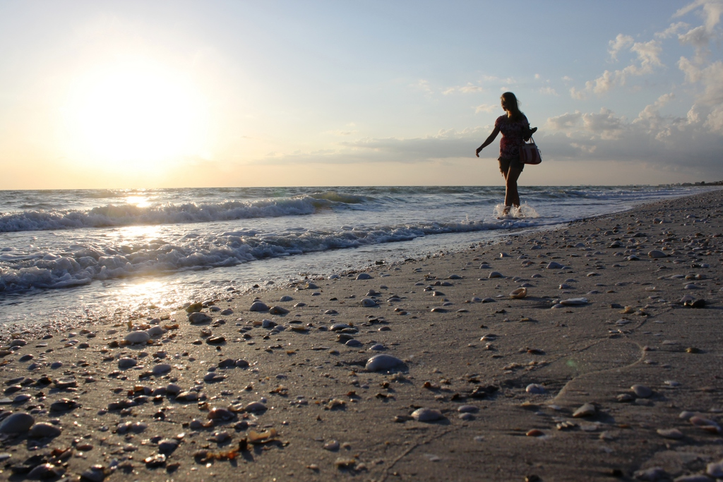 Strandspaziergang in Bonita Springs, USA (Keystone/AP Photo/Chris E. Griffith)