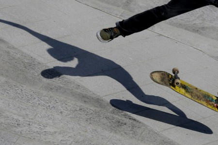 Skater in Mailand, Italien (Keystone/AP Photo/Luca Bruno)