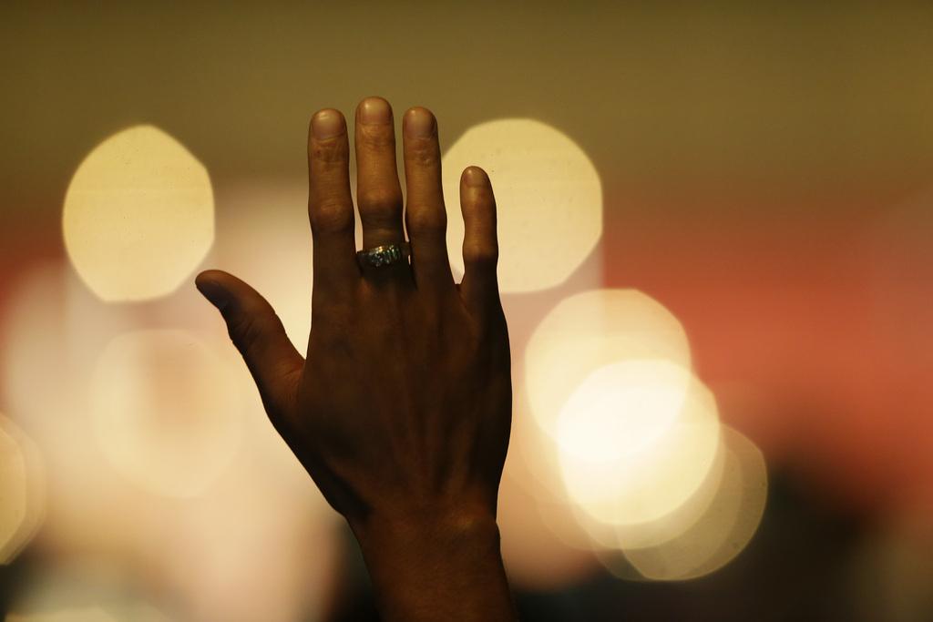 Handzeichen in Seattle, USA (Keystone/AP Photo/Ted S. Warren)