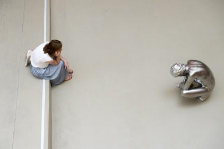 """Skulptur """"Shoe Tie"""" in Basel, Schweiz (Keystone/EPA/Georgios Kefalas)"""