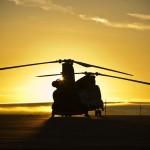 Helikopter der britischen Luftwaffe bei Sonnenaufgang, Hampshire, Südengland, EPA/CPL JIMMY WISE (RAF) / BRITISH MINISTRY OF DEFENCE
