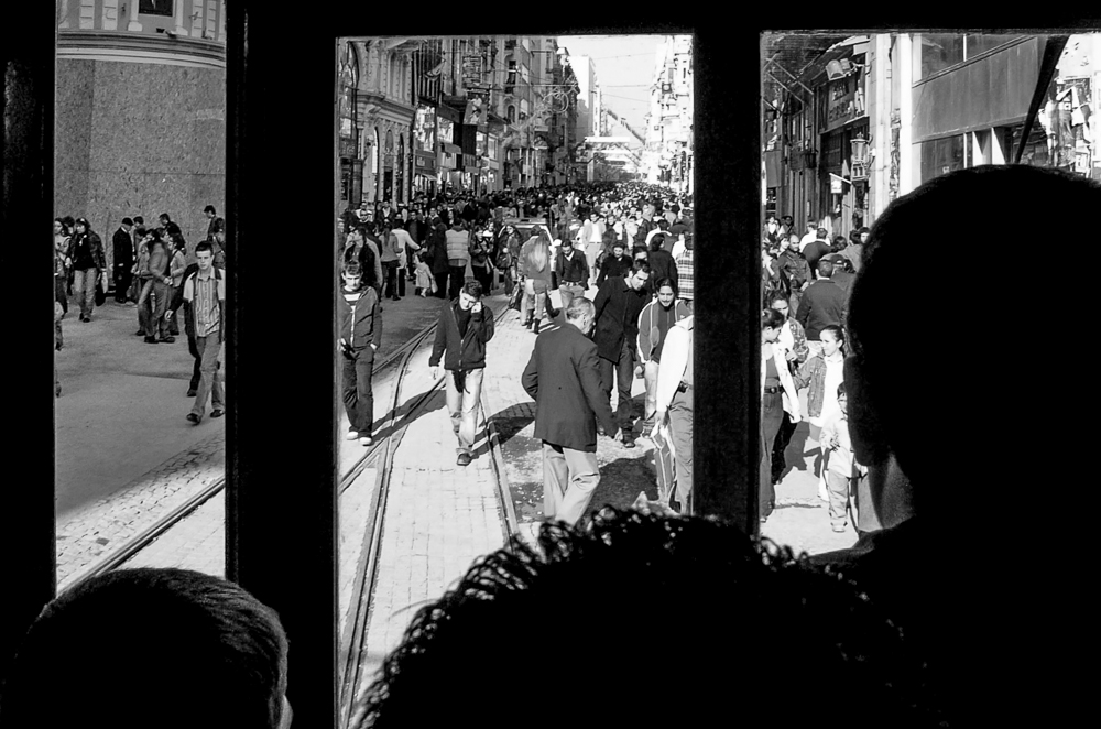 """Leserfoto - """"Mit der Tram zum Taksim-Platz"""": Bild im Bild"""