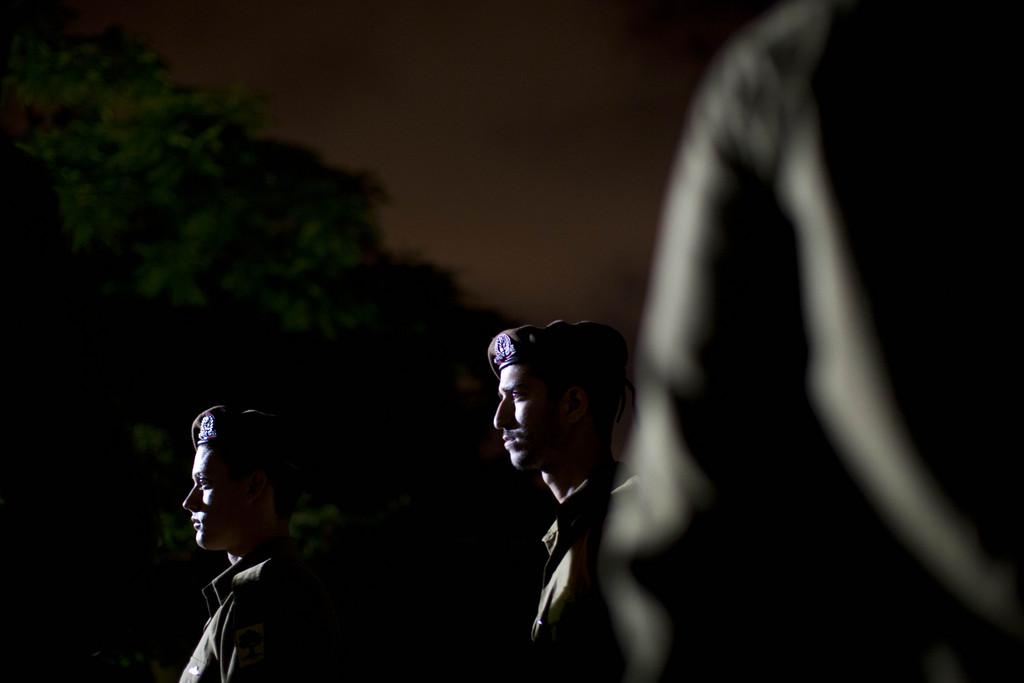 Israelische Sildaten bei einer Beerdigung, Haifa (AP Photo/Oded Balilty)