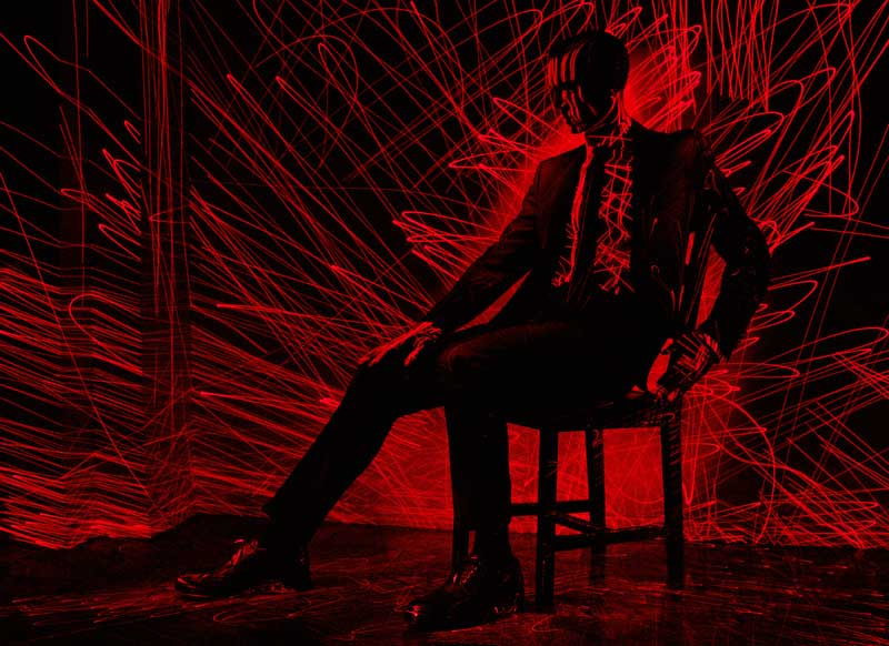Bela Borsodi, »Black Hole Sun«, L'Officiel Hommes Nr. 01. Nominiert in der Hauptkategorie Fotografie, Mood- und Modefotografie. © Bela Borsodi