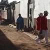 Straßenszene mit Musikern in Bolivien, Guaqui  (AP Photo/Juan Karita)