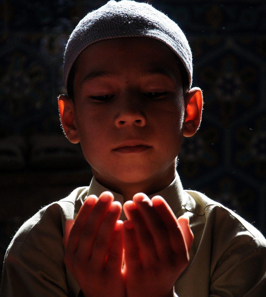 Gebet am Ende des islamischen Fastenmonats Ramadan, Mazar-i-Sharif, Afghanistan, EPA/SAYED MUSTAFA