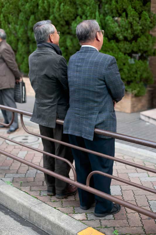 Paulien Oltheten, Jackets over Reling, 2008 ©Paulien Oltheten