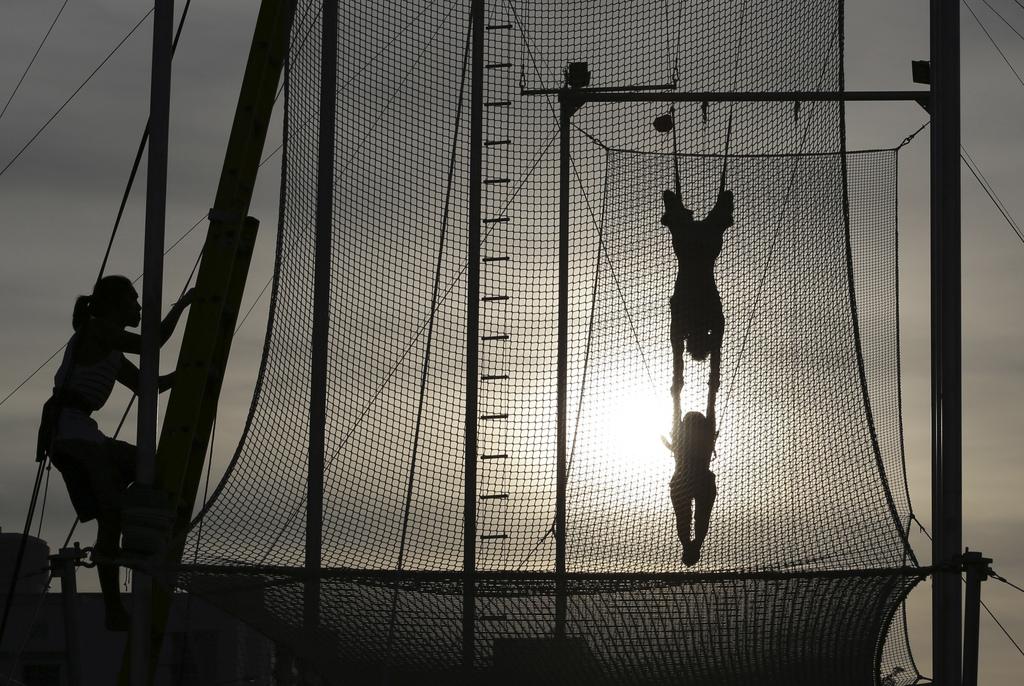 Trapezschule in Manila, Philippinen (Keystone/AP Photo/Aaron Favila)