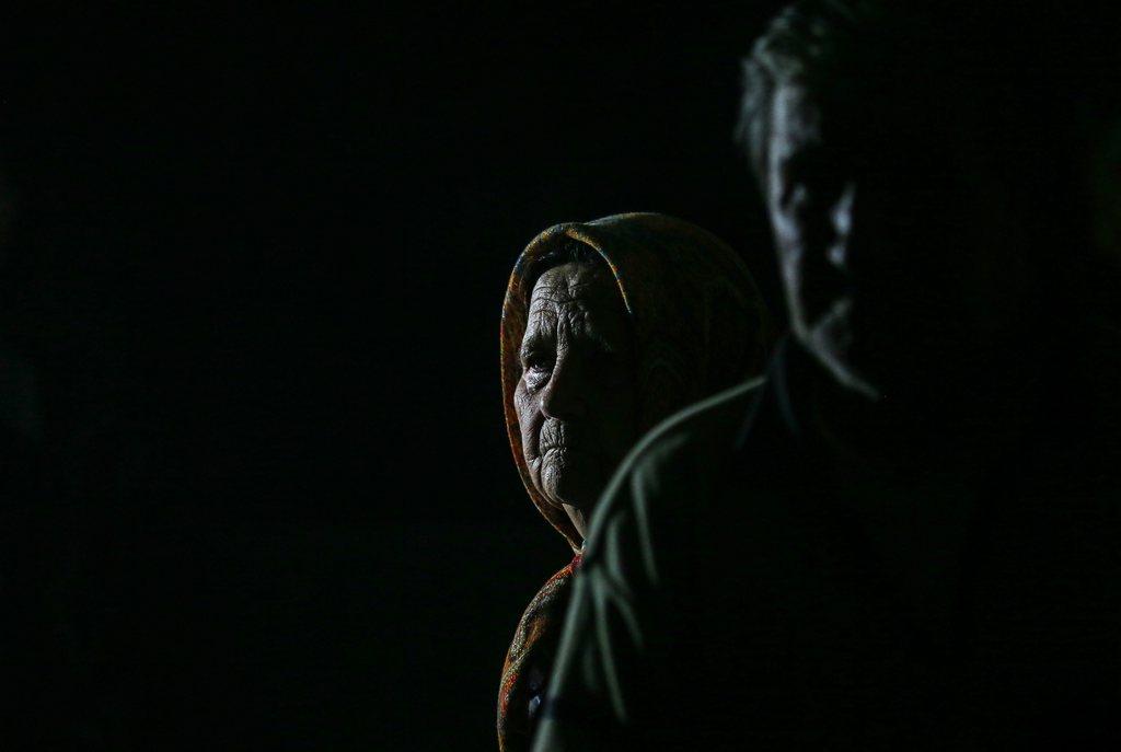 Menschen in Donetsk, Ukranine (Keystone/EPA/Sergei Ilnitsky)