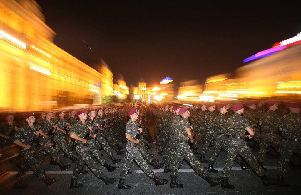 Aufmarsch von Soldaten in Kiew, Ukraine (Keystone/EPA/Tatyana Zenkovich)