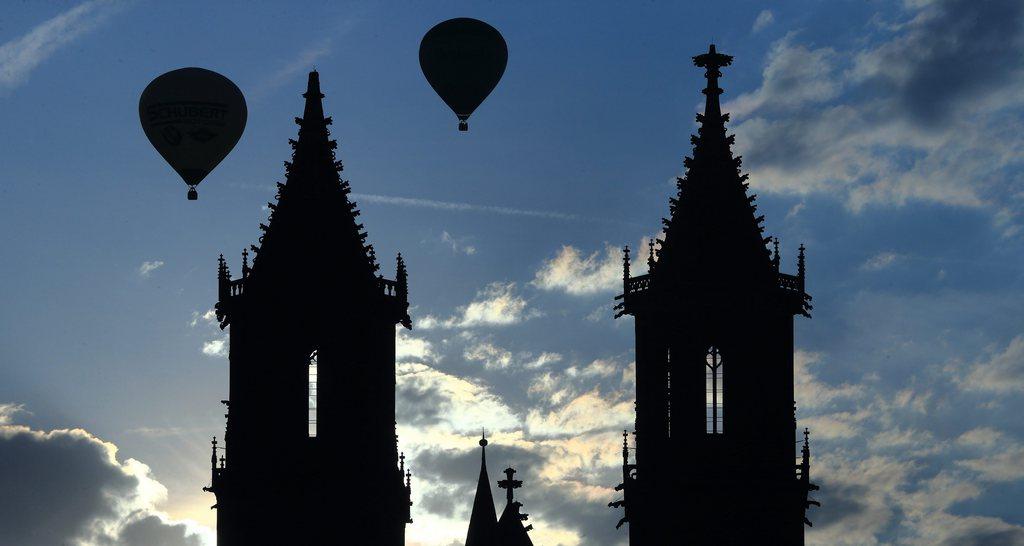 Heißluftballone über Magdeburg, Deutschland (Keystone/EPA/Jens Wolf)