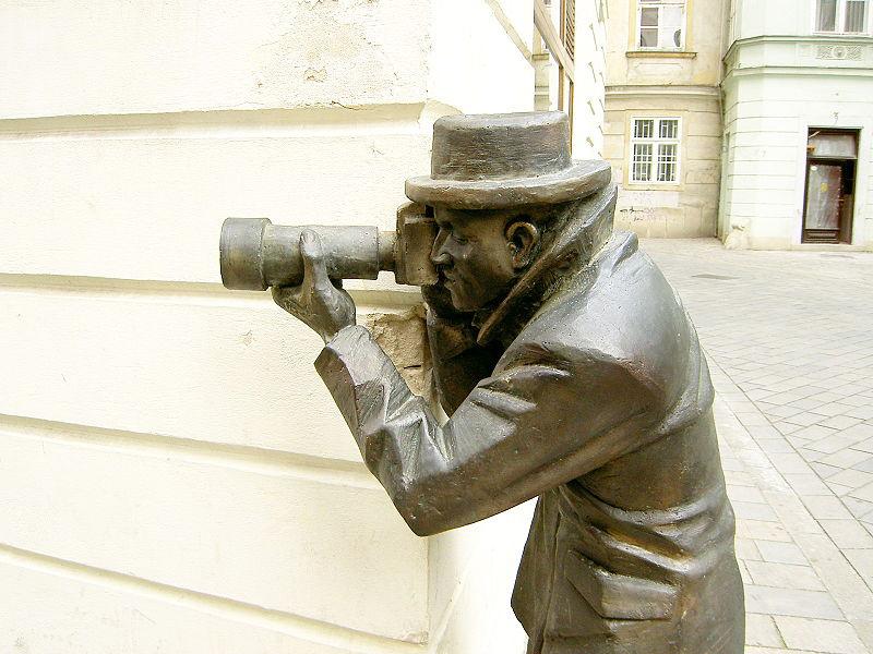 Abb. 4: ´Bratislava Bronze Paparazzo´ (Quelle: Benmil222 / Wikipedia CC, 2005)