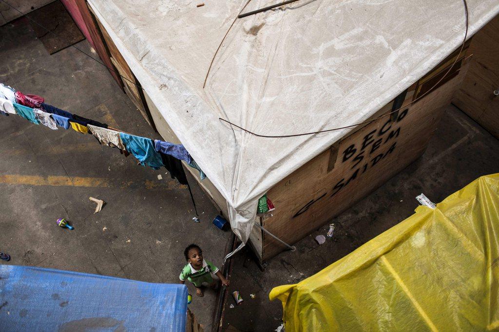 In den Slums von Rio de Janeiro, Brasilien (Keystone/EPA/Antonio Lacerda)