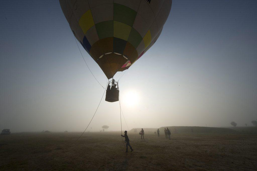 Ballonfahrt in Aso, Japan (Keystone/EPA/Everett Kennedy Brown)